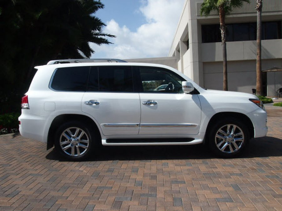 2013 lexus lx 570 suv jeep full options offer south wales 250000. Black Bedroom Furniture Sets. Home Design Ideas