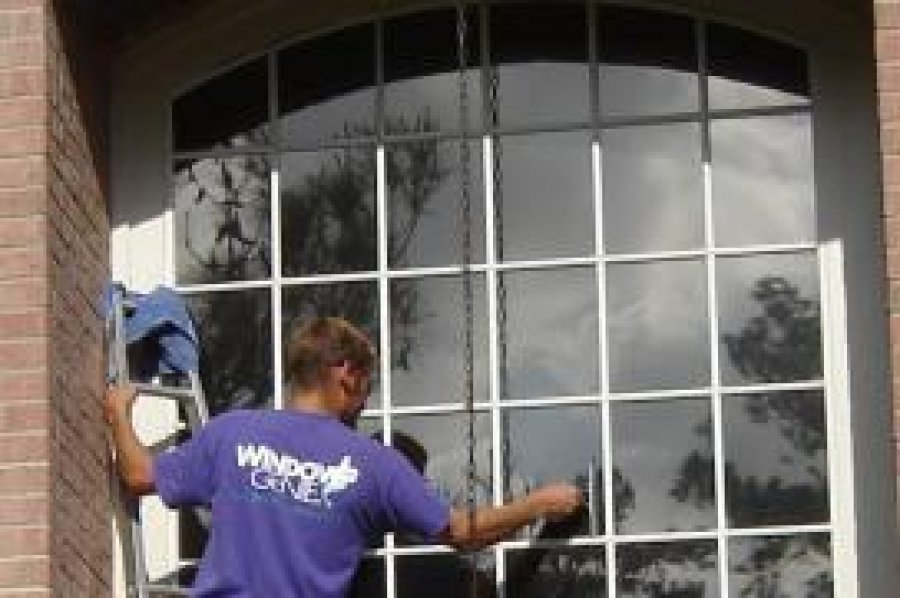 Window Cleaning in Florence South Carolina, by WindowGenie offer Services